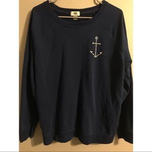 navy blue pullover sweater